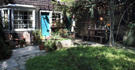 Magical Cottage in Echo Park Villa